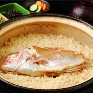 かなわ名物『土鍋炊き鯛めし』