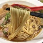 ラーメン たんろん - 中華そば(700円)麺リフト