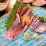 魚呑 - 刺し身3点盛り美味し
