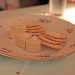 バー フラミンゴ - カマンベール チーズ