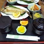 お食事処 みち草 - 飛魚の塩焼き定食 1,100円