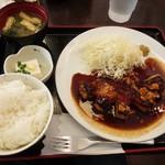 東京厨房 - トンテキ定食980円