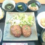 ヤマバレ牧場 ポーザーおばさんの食卓 - 料理写真: