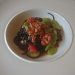 フルエンテ - イカスミを練り込んだパッパルデッレ 桜エビ、空豆、フルーツトマトのアーリオオーリオ +216円