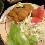 角三 - 「鶏南ばんうどん定食」(870円)には串カツもついていました