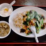 66516039 - 牛バラチャーハンと杏仁豆腐