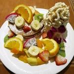 66518095 - トロピカルフルーツパンケーキ