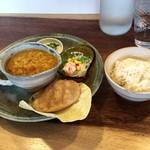 神谷カフェ - 相方のレンズ豆カレーBセット