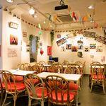 サクラカフェ神保町 - テーブルレイアウトは自由自在!貸切パーティーにもご対応致します。
