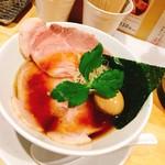 本町製麺所 阿倍野卸売工場 中華そば工房 - 料理写真:プライム中華そば  950円