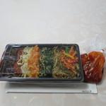 韓美膳デリ - チャプチェ弁当と白菜キムチパック状態