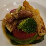 66534109 - 蛍烏賊、みる貝、鎌倉野菜を野菜のブイヨンで煮たもの
