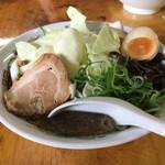 熊本らーめん 育元 - キャベツ麺 850円 うまい!