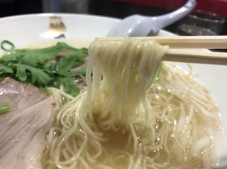 揚子江ラーメン 名門 - 麺リフト