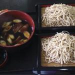 そば処 三喜庵 - 料理写真:鴨つけめん、そばは最初に2枚来ます。