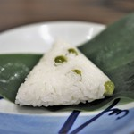 七草 - 豆ごはん 笹の葉包み