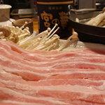 さくら - 紅豚のしゃぶしゃぶ>お肉の甘みにビックリしますよ!