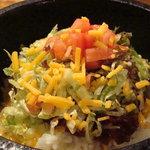 さくら - 石焼タコライス>熱々の石鍋で新しい食感