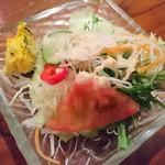 ハッピーバリ - サラダ