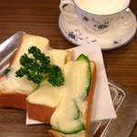 66542297 - チーズトースト&ウィンナー珈琲♡