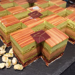 結庵 - シシリアン@7層からなるケーキ。ザクザクのダコワーズにヌガー 甘めでピスタチオの香り高いババロア