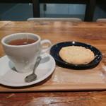 コミンカフェ - 紅茶とマカダミアクッキー