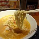 麺匠 えい蔵 - 海老塩ラーメンは細麺