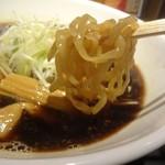 麺匠 えい蔵 - 小樽黒醤油ラーメンは平打ち麺