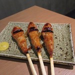 焼とり いぶし坐 - タレ焼きの最後はつくね串、甘辛いタレがとっても美味しいくてお酒が進みました。