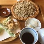 まん作 - アスパラの天ぷらとせいろそば1250円