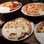 66553509 - 1705_SALVATORE CUOMO & BAR 千里中央_pizzaは5~6種類