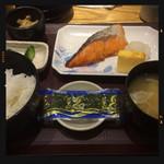 やえす初藤 - 焼鮭定食 570円