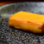 Gyoza Bar けいすけ - 燻製チーズ@300円