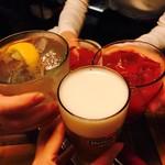 ニカド グリル+ロースト キッチン - レモンサワー、カシスオレンジ、生ビール