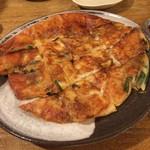 韓国風居酒屋おんどる - チーズチヂミ(2017年4月)