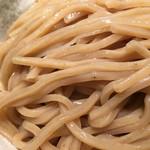 めいげんそ - 濃厚つけ麺の麺は全粒粉です。