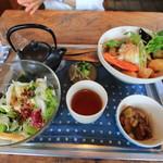 海と畑の台所 Cocopelli Shrimp - えびのまぶし丼定食