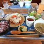 海と畑の台所 Cocopelli Shrimp - 料理写真:国産鶏肉桜姫のチキン南蛮定食
