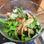 海と畑の台所 Cocopelli Shrimp - チキン南蛮のサラダ