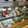 五勝手屋本舗 - 料理写真:店内15・ショーケース内の和生2