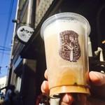 やなか珈琲店 - アイスミルクコーヒー(290円)