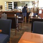 cafe Fuu - 店内。結構広いです。