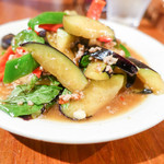 アムリタ食堂 - 茄子のピリ辛炒め