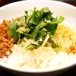 麺屋 民のかまど - 料理写真:汁なし担担麺¥880 +パクチー¥100