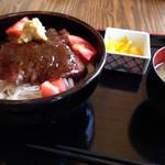 レストラン 旅篭 - こぶ黒牛ステーキ丼