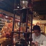 珈琲蔵 - 水出しコーヒーの装置は大きい!水出しコーヒーは12時間以上かけてココから抽出☆
