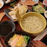 ファミリーダイニング ベルグ - 天ぷら釜揚げうどんセット