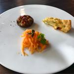 カフェ オニヴァ - 前菜3種盛り  椎茸のローストが抜群!