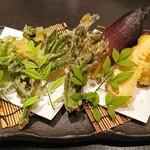 魚貝三昧 げん屋 - 山菜の天ぷら