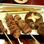串焼酒処 神田屋 - 砂肝、鶏レバー、鳥はつ、しいたけ
